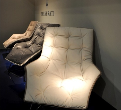 the_maserati_zanotta_lounge_chair_on_display_at_the_zanotta_store_in_milan_qybkn